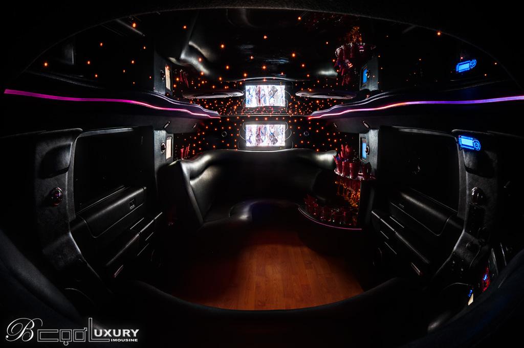 Hummer limousine H2