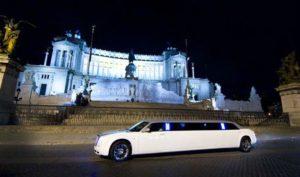 Giro in limousine a Roma