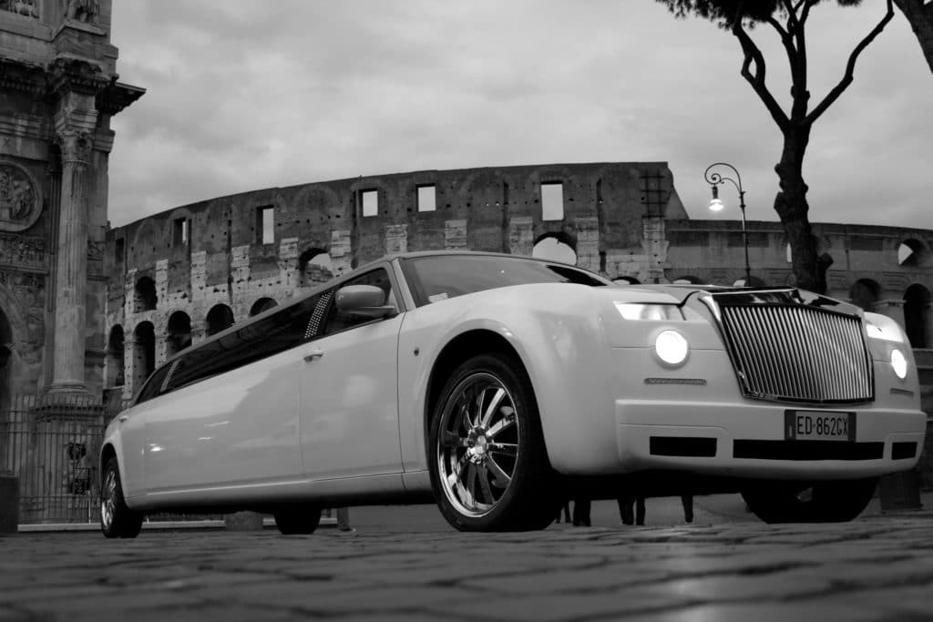 Anniversario di matrimonio limousine a Roma