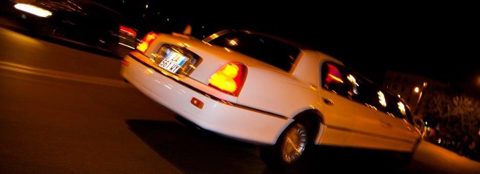 Offerte noleggio limousine roma 3 ore 300 euro for Affitto a ore roma