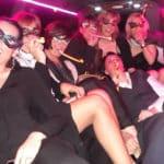 ragazze festeggiano Capodanno in limousine a Roma
